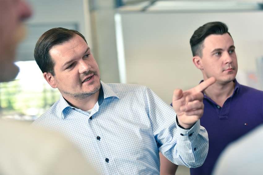 Matthias Nütz, Jobs in der E-Mobilität, Dräxlmaier
