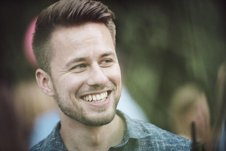 David Hartl (27), Consultant